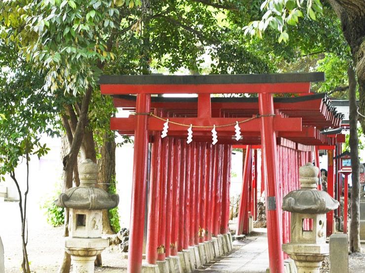 威徳稲荷神社(花園神社内)